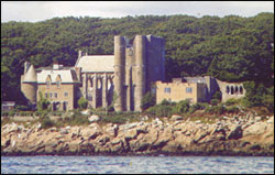 hammond-castle-musem_front_water_view