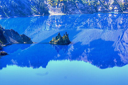 The Phantom Ship in Crater Lake National Park, Oregon, Reaches 168 Feet into the Sky -- AMAZING!