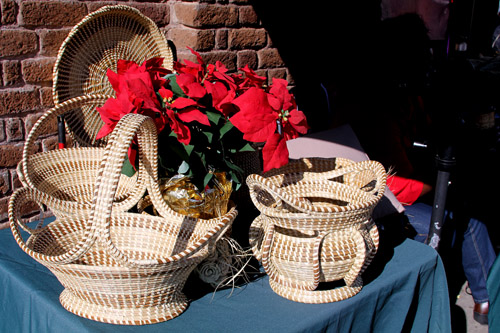 An element of the local culture Monique particularly appreciated was the continuance of the Gullah lifestyle, as represented in these baskets woven by street vendors.  Intricate patterns make them very hard to pass up ... until you ask the price -- $25 to $1,200 each.
