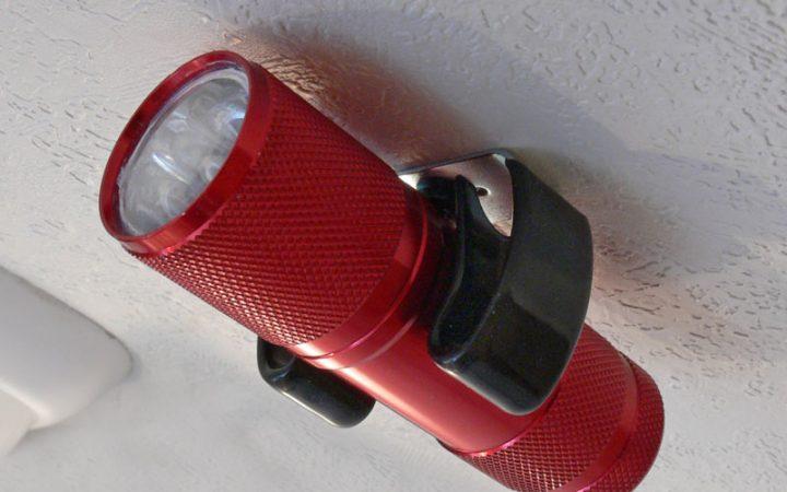flashlight-clip