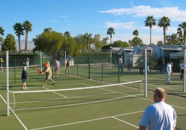 Rincon Country RV Resorts - tennis courts