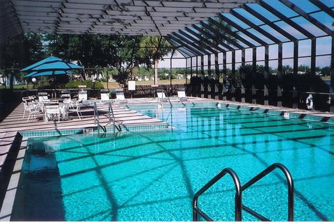 Crystal Lake RV Resort - pool