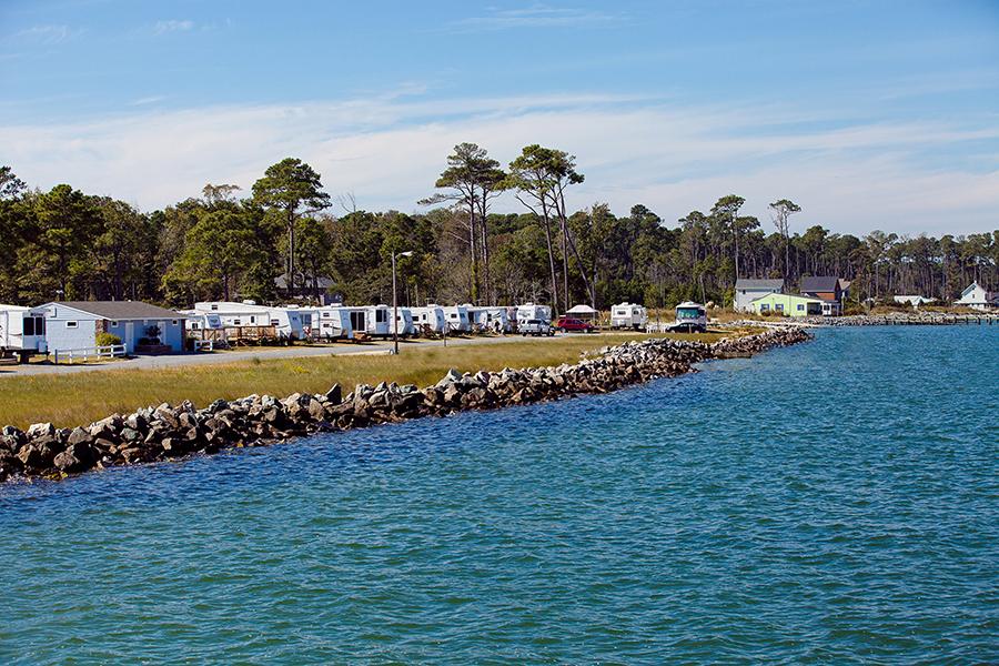 RV the Chesapeake Bay With Sun