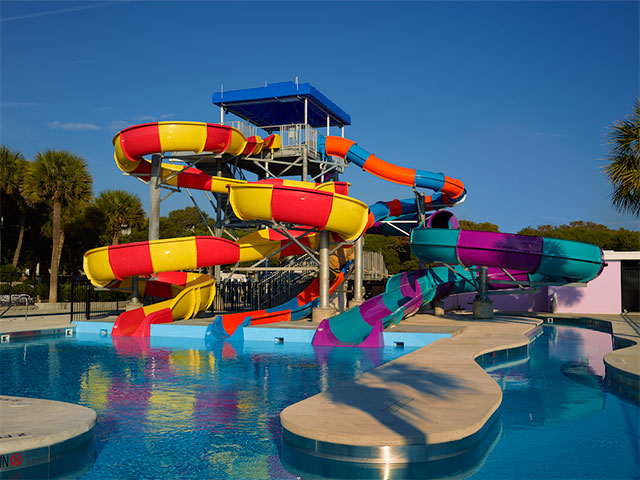 Lakewood Camping Resort - waterpark