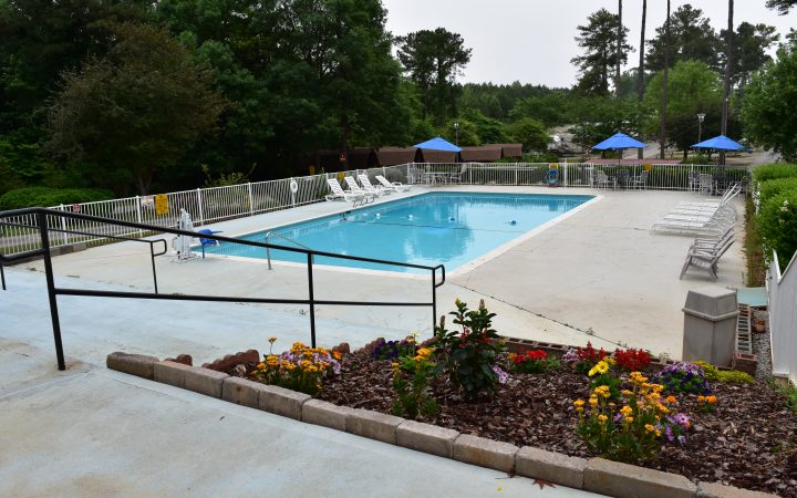 Atlanta South RV Resort - pool