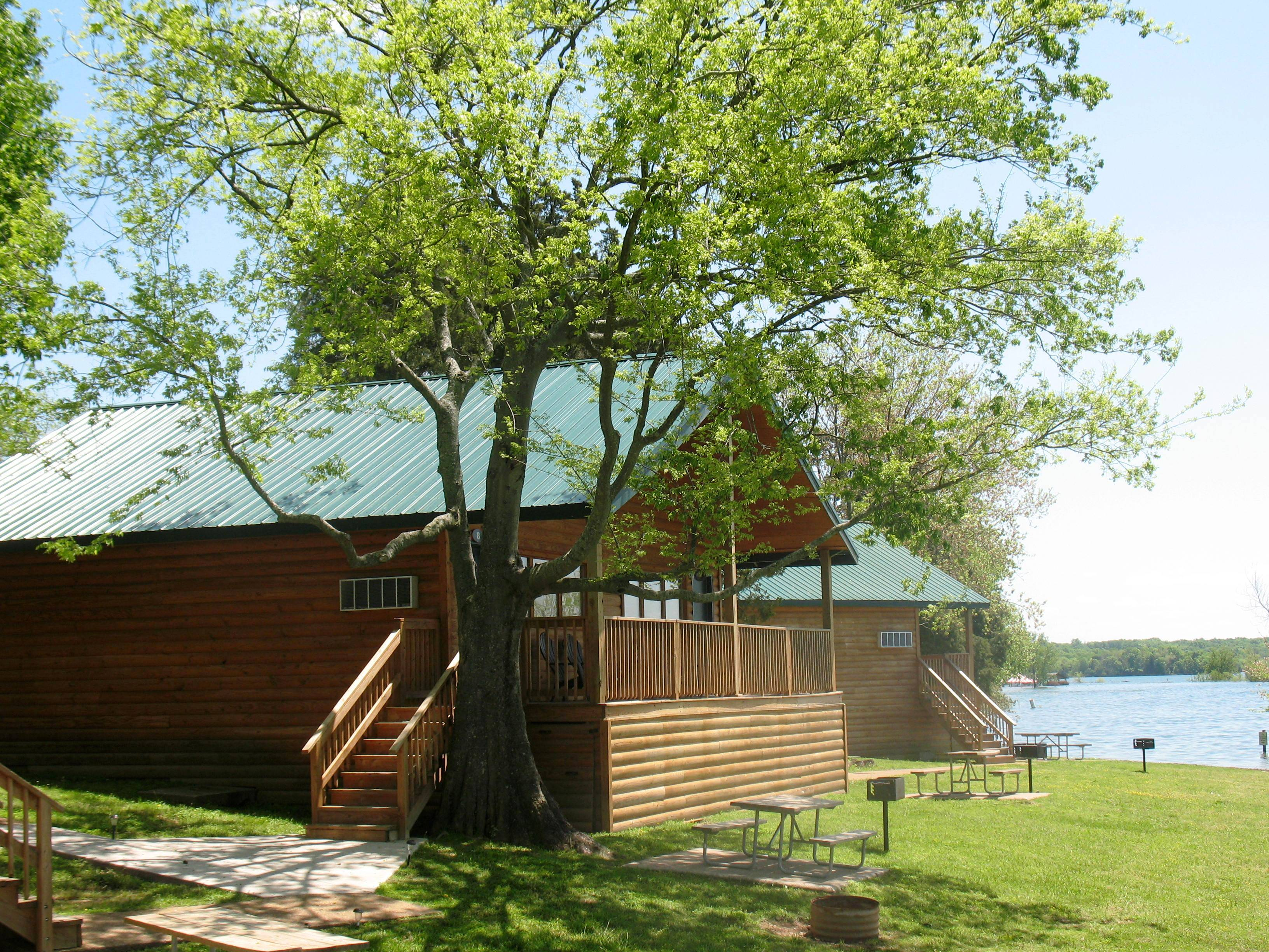 Nashilee Shores Lakeside Resort - Cabin