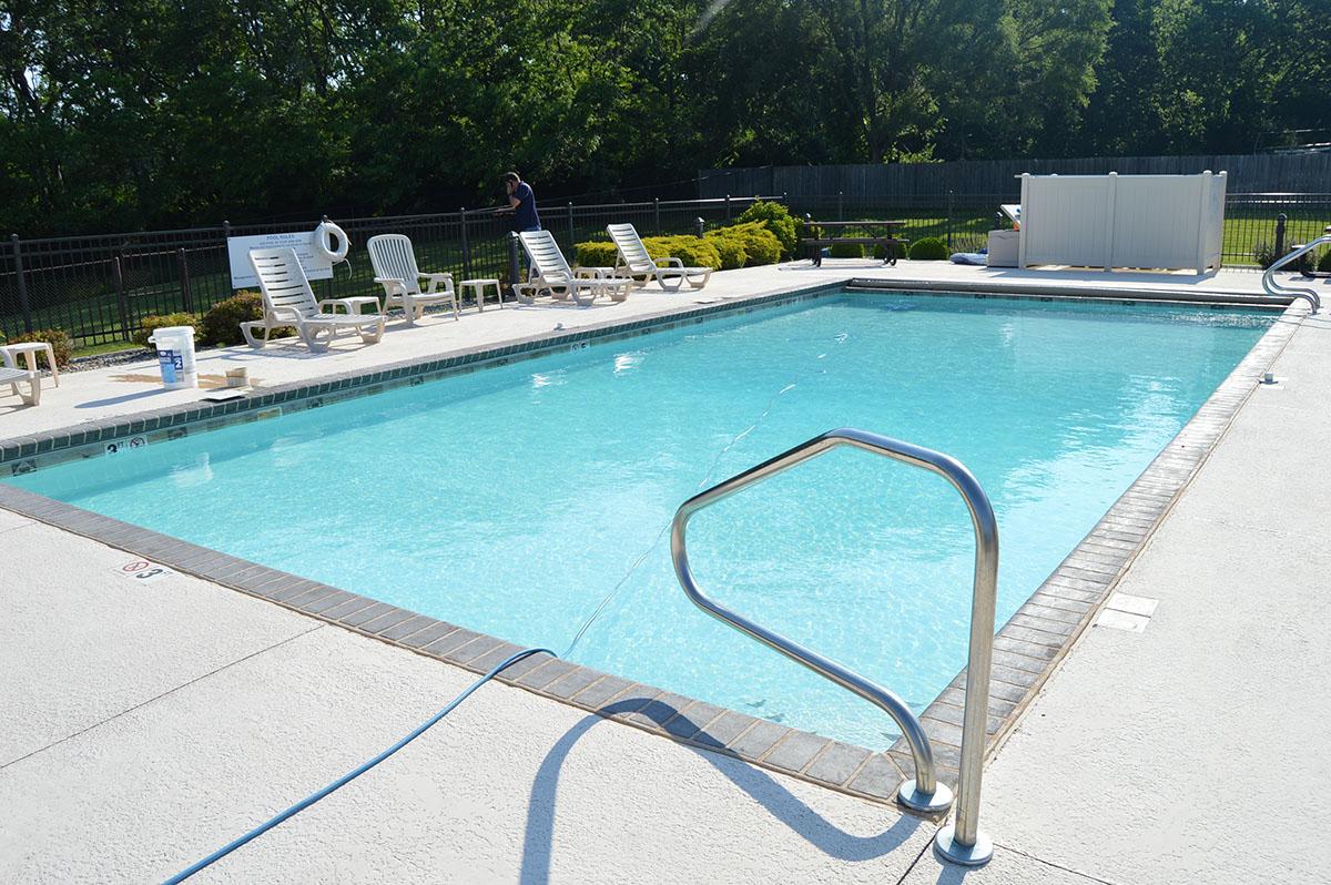 Deer Creek Valley RV Park - outdoor pool