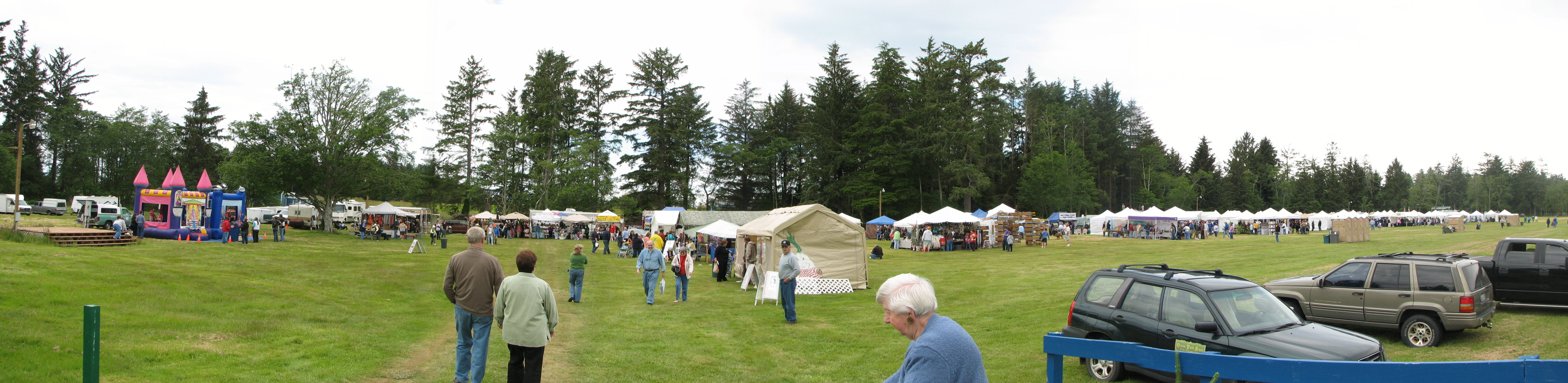 Northwest Garlic Festival - festival view in field