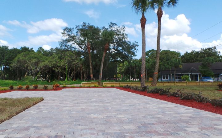 Oak Grove RV Resort - landscaped lots