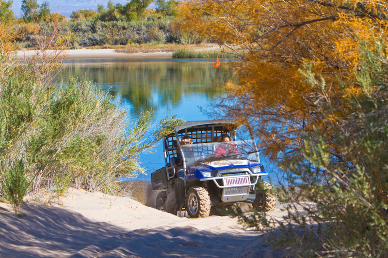 Pirate Cove RV Resort - off road Jeep