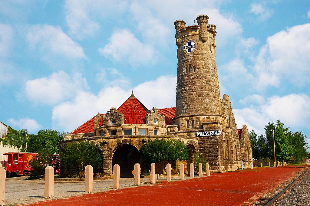 Visit Shawnee - Santa Fe Depot Castle