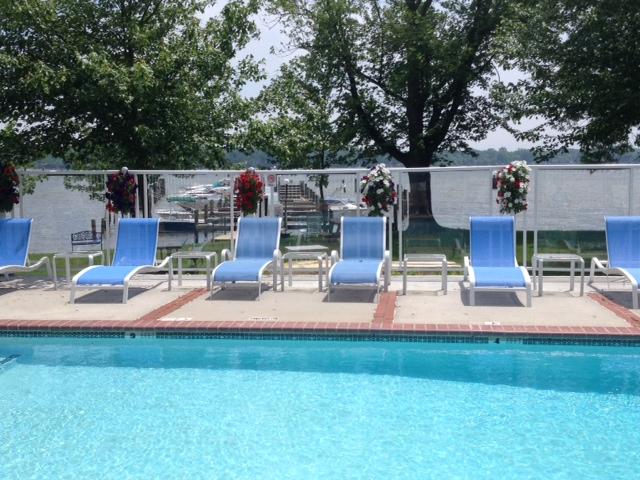 Bar Harbor RV Park & Marina - garden pool