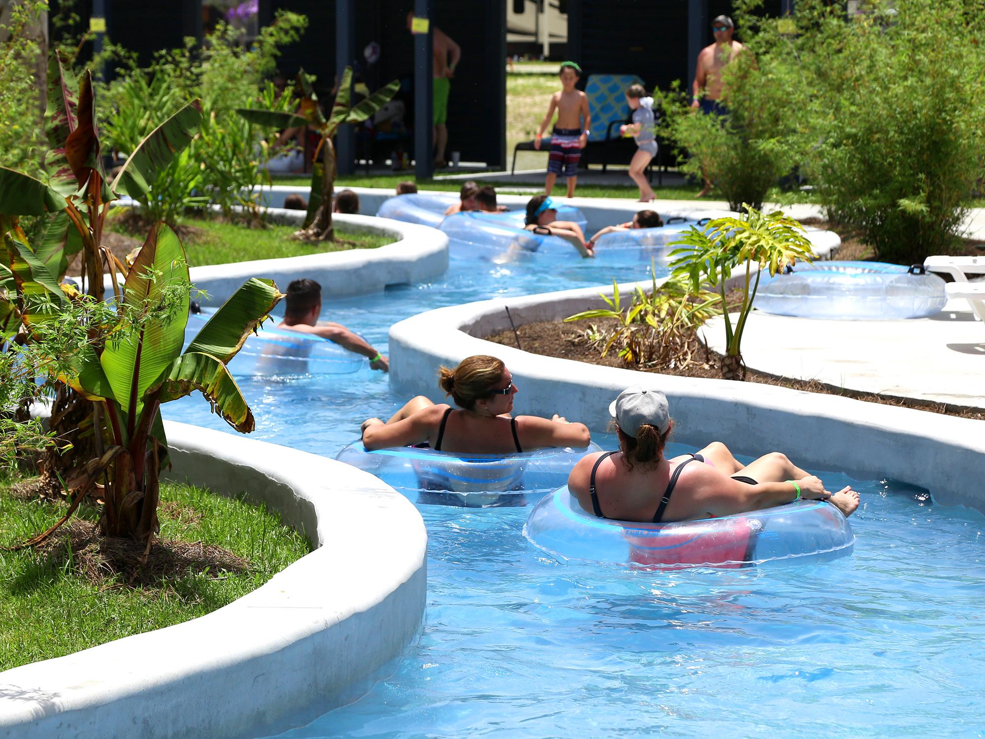Reunion Lake RV Resort - lazy river