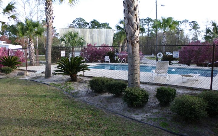 Golden Isles RV Park - pool