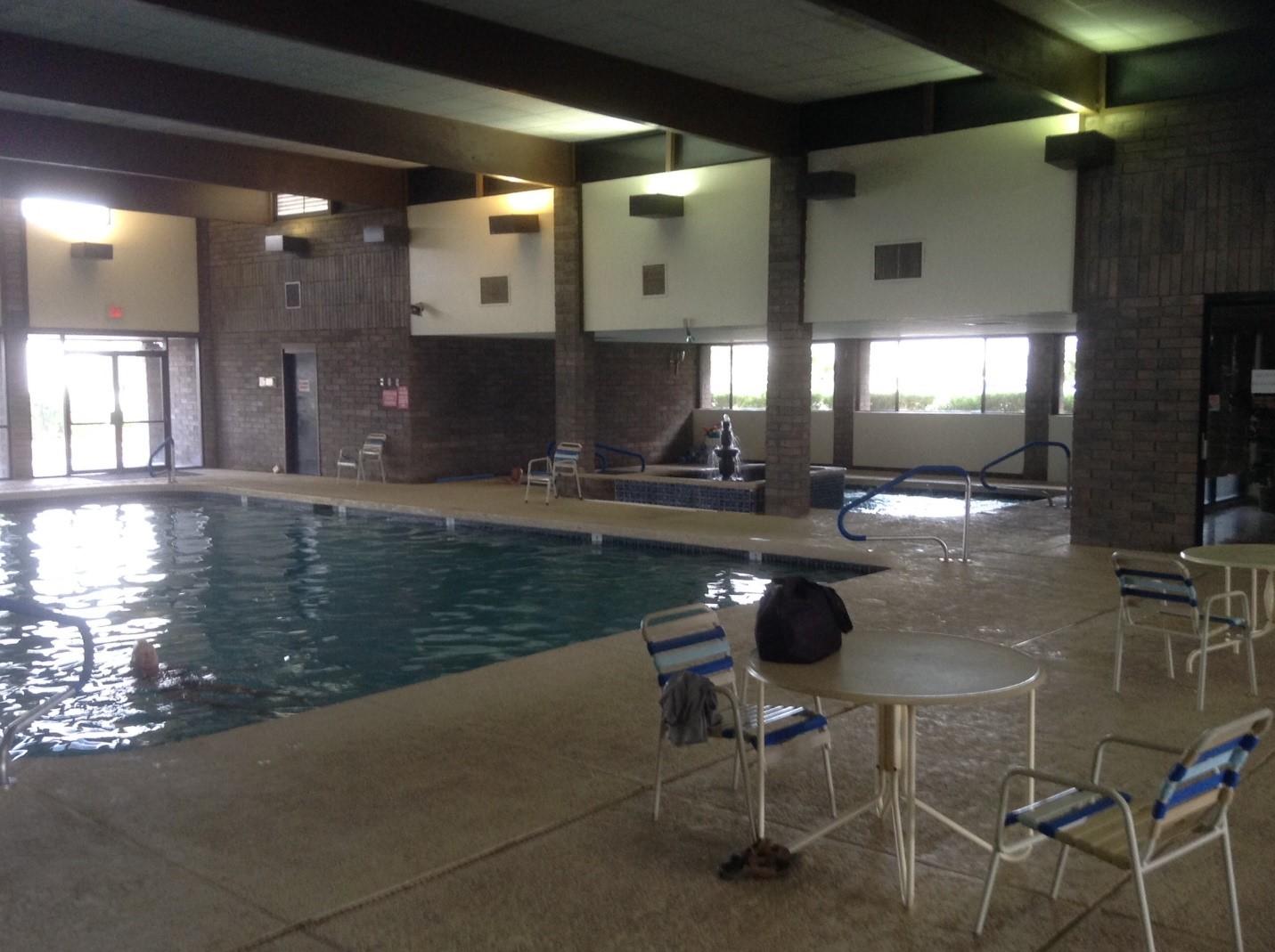 Sun Vista RV Resort - indoor pool
