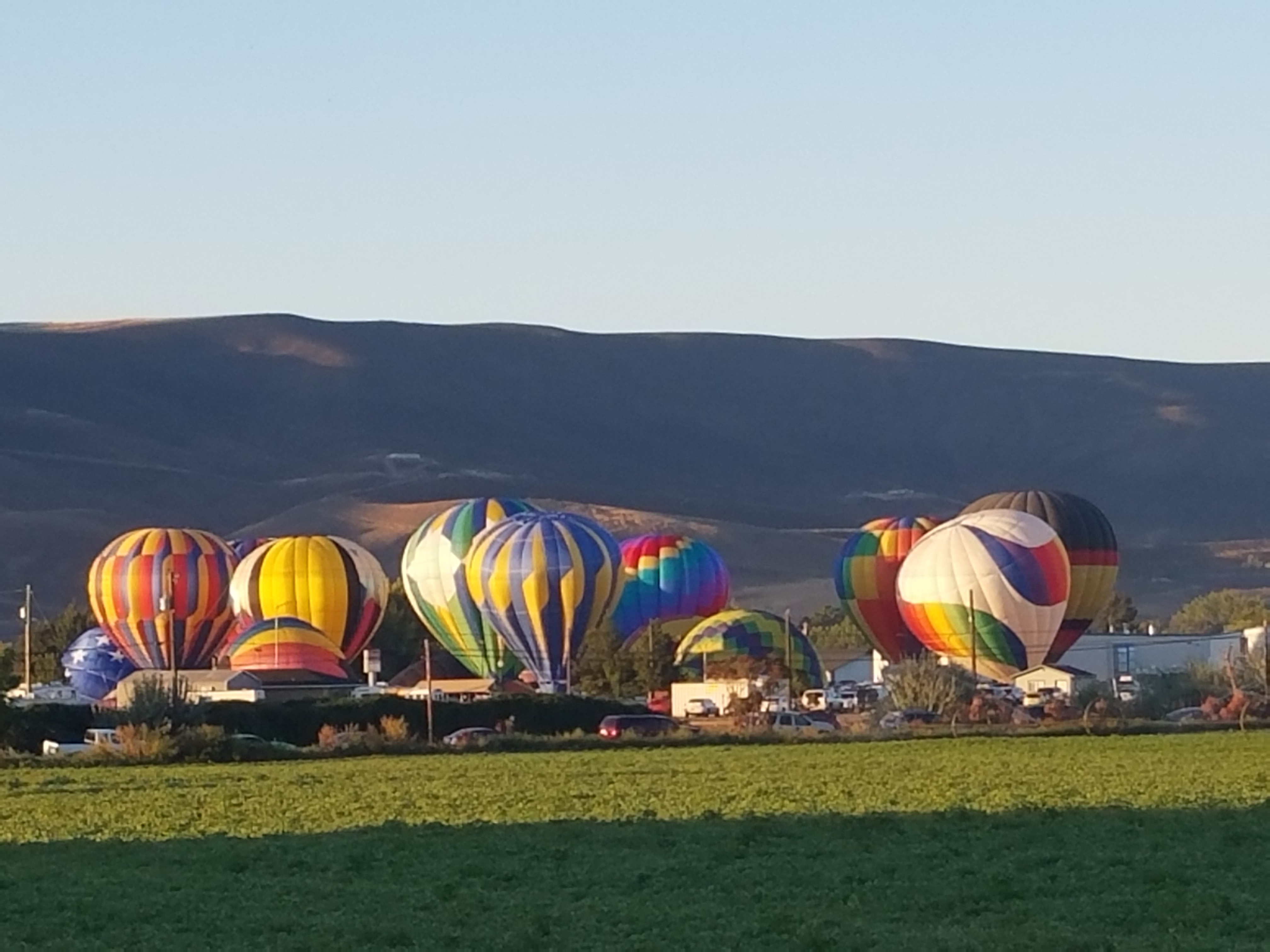 Great Prosser Balloon Rally - dry camp at Wine Country RV Park