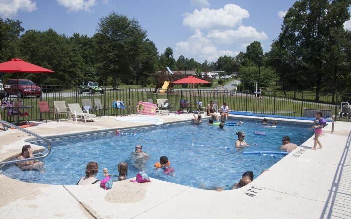 Scenic RV Mountain - pool