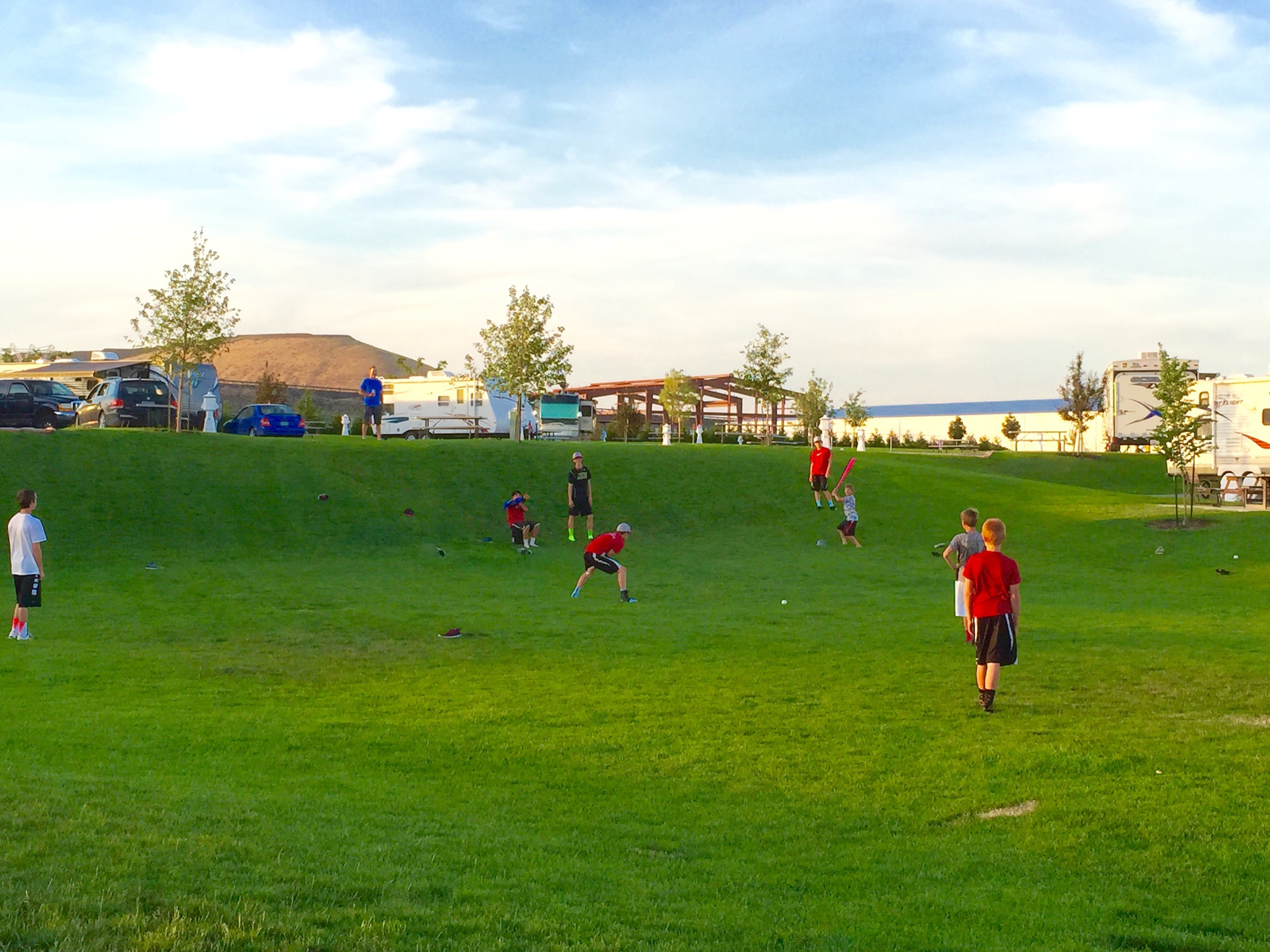 Columbia Sun RV Resort - games on field