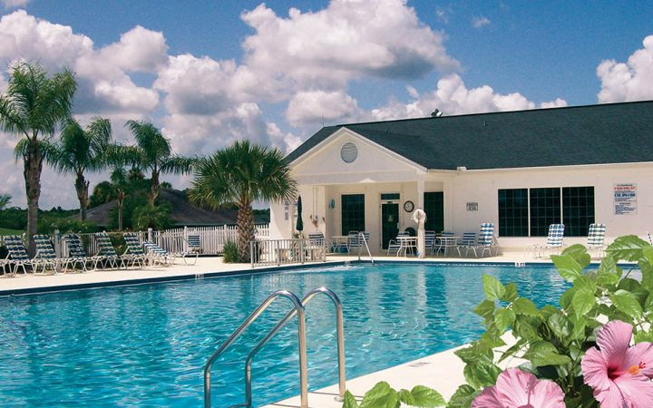 The Great Outdoors RV Resort - pool and clubhouse