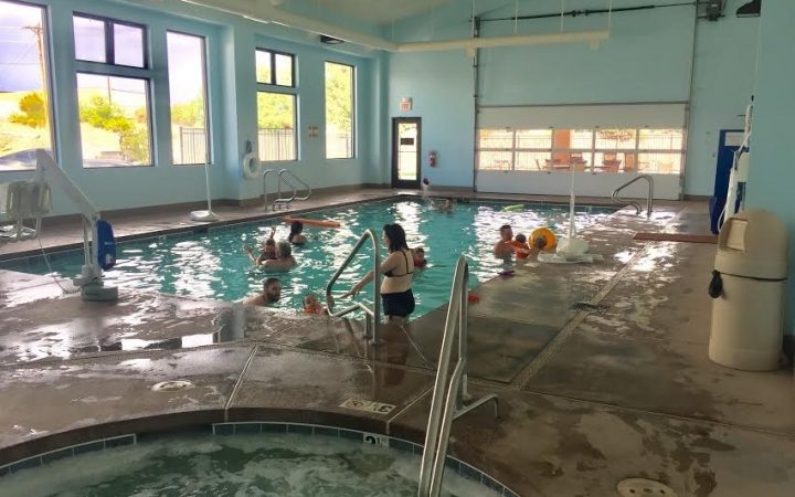 Elephant Butte Lake RV Resort - indoor pool