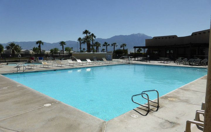 Catalina Spa RV Resort - pool