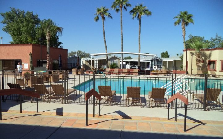 Sunrise RV Resort - pool