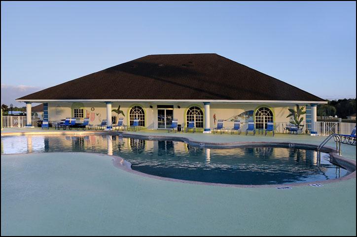 Cross Creek RV Resort pool house and pool