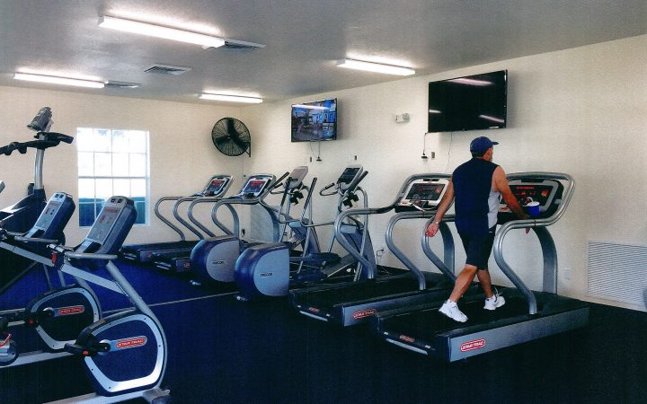 Cross Creek RV Resort - Gym