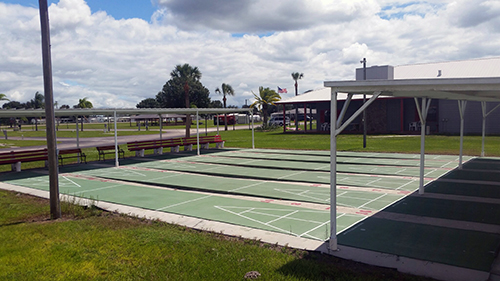 Little Willies RV Resort - shuffleboard courts