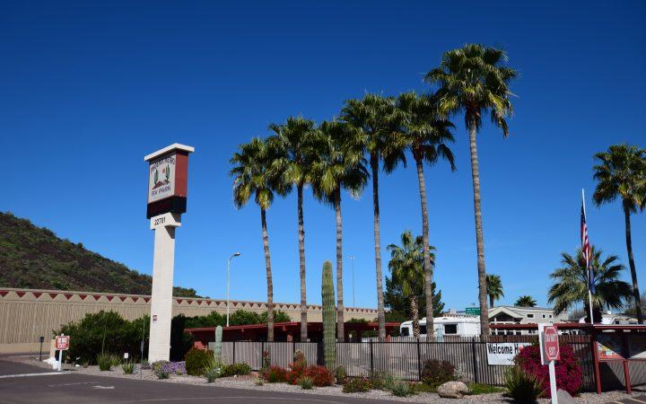 Phoenix Metro RV Park - entrance
