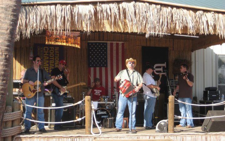Cajun Palms RV Park - tiki bar with live music