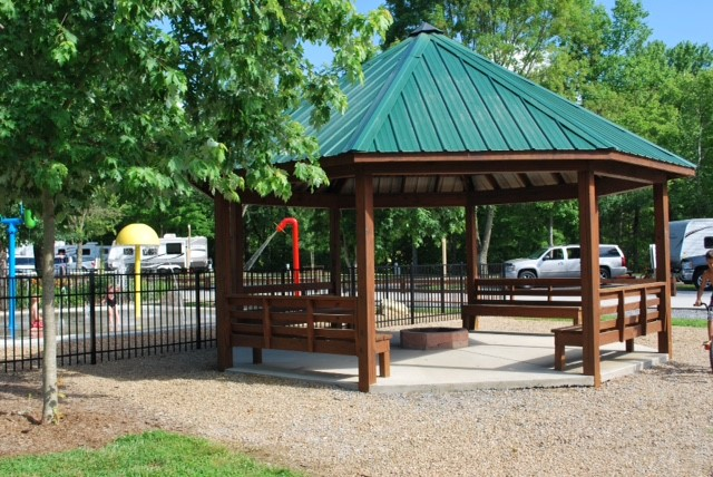 Big Meadows Family Campground - pavilion and splash pad