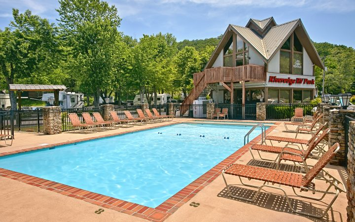 Riveredge RV Park & Log Cabin Rentals - pool