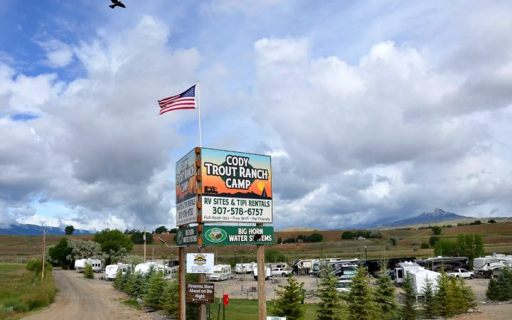 Cody Trout Ranch Camp RV Park - entrance