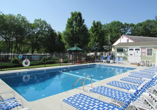 Red Apple Campground - with outdoor pool