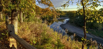 Good Earth State Park - nature trail by river