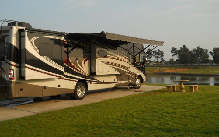 Lake Osprey RV Resort - rv site