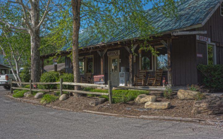 Camp Riverslanding - cabin office