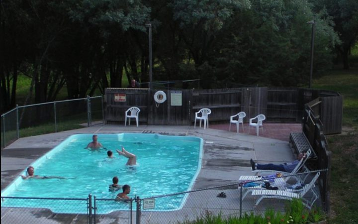 Deer Park RV Park - outdoor pool