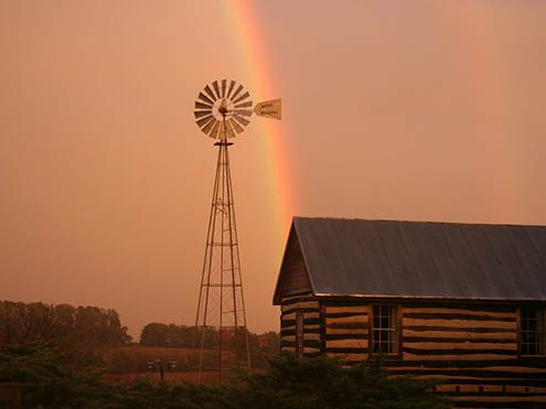 Merry Meadows Recreation Farm - rainbow over cabin