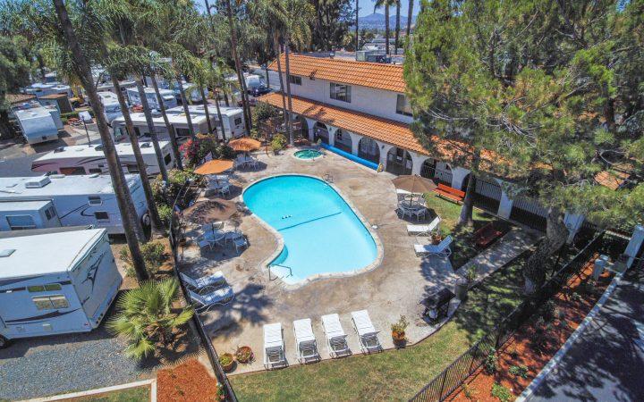 Vacationer RV Resort - outdoor pool aerial