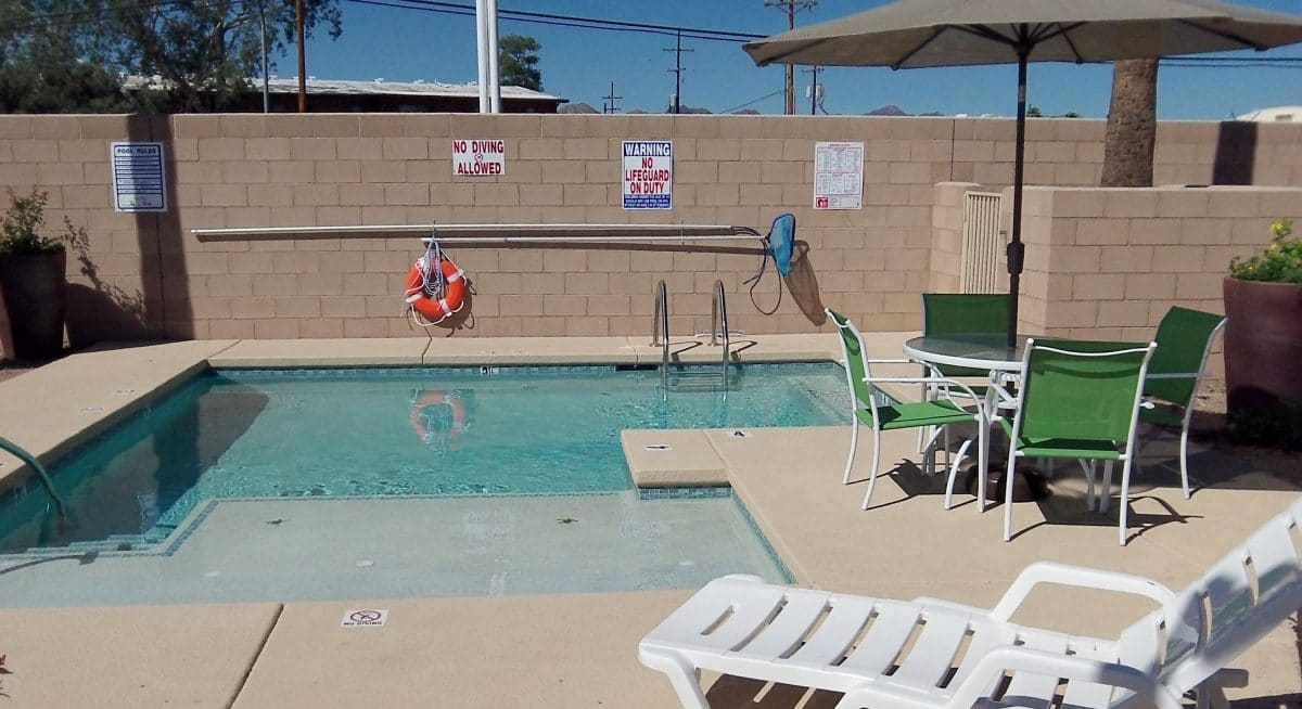 Sentinel Park RV Park - swimming pool