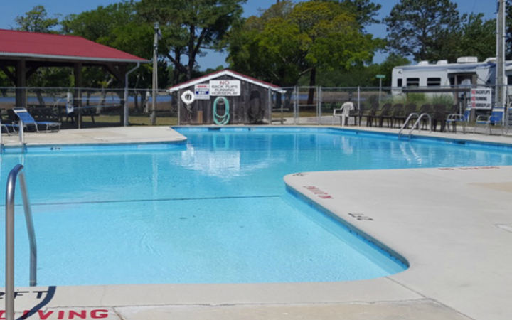 Lanier's Campground - pool