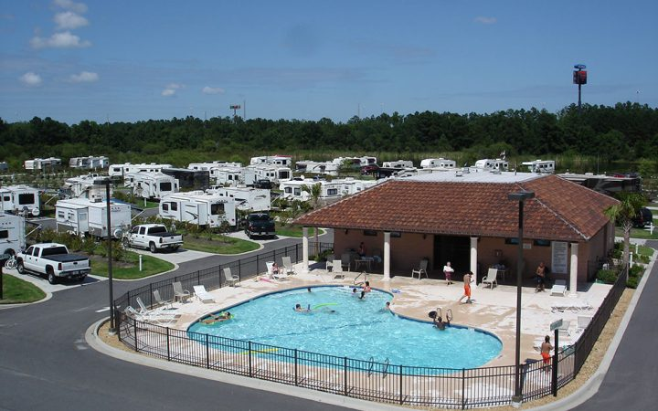 Coastal Georgia RV Resort - outdoor pool aerial