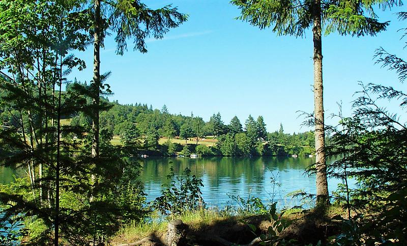 Harmony Lakeside RV and Cabins - lake