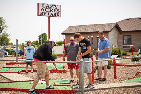 Lazy Acres RV Park - mini golf