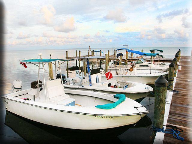 Jolly Roger RV Resort - boat dock