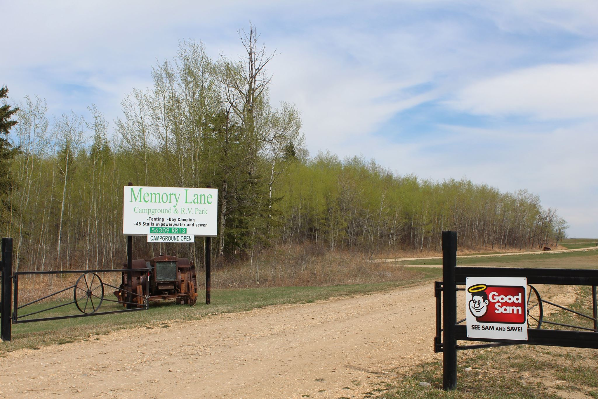 Memory Lane Campground and RV Park - entrance to park
