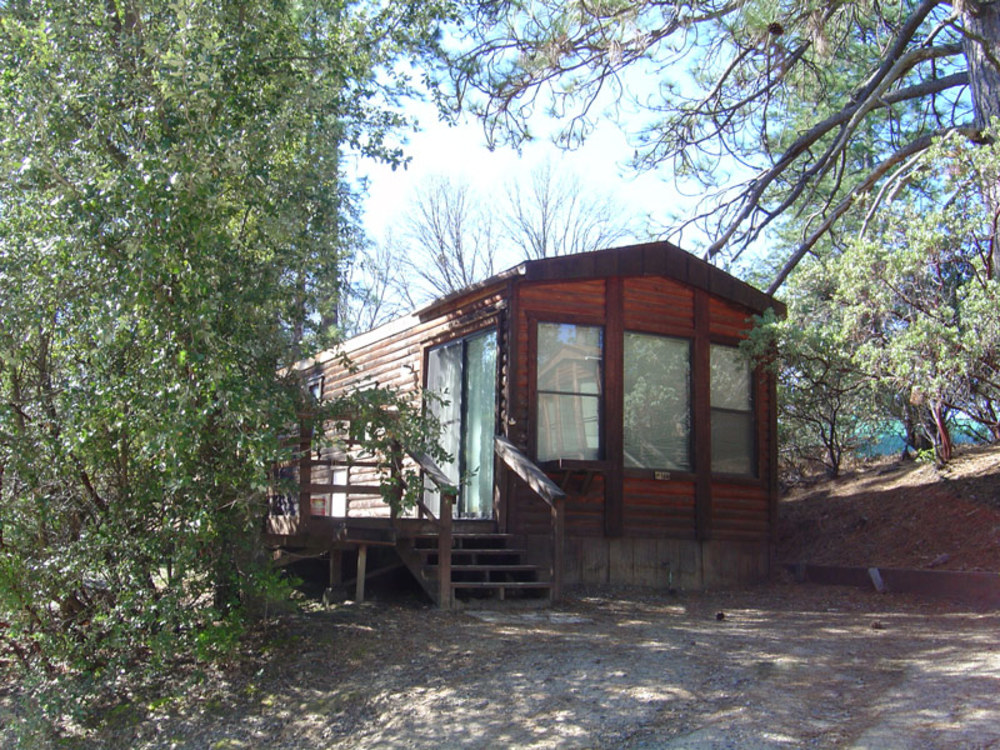 Bass Lake RV Resort - cabin