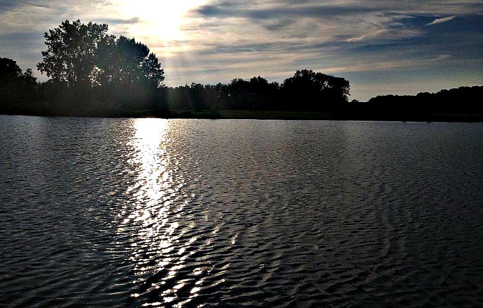 N.E.T Camping Resort - lake